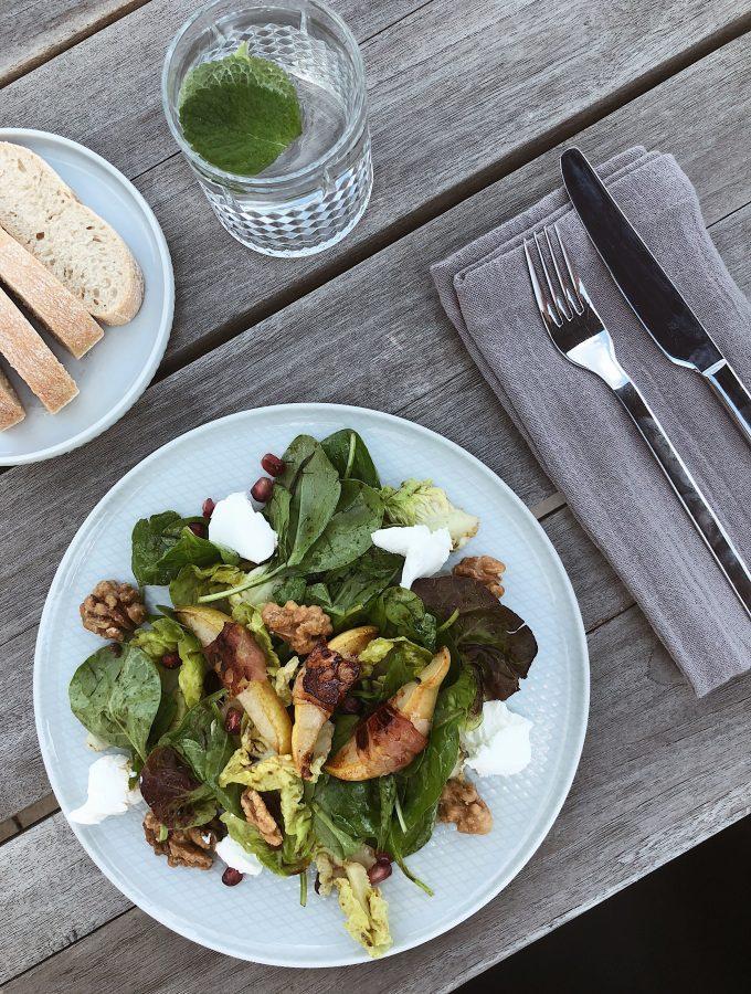 Sommersalat mit Ziegenfrischkäse und Granatapfel